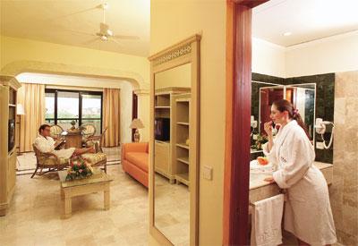 complesso grand palladium resort spa. Black Bedroom Furniture Sets. Home Design Ideas